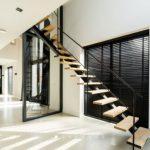 Prachtige trap voor de woonkamer